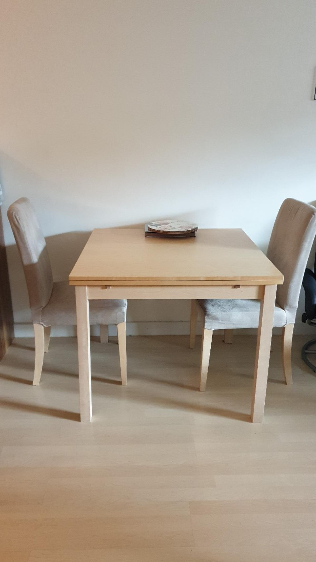 Dining Table And Two Chairs In B16 Birmingham Fur 50 00 Zum Verkauf Shpock De