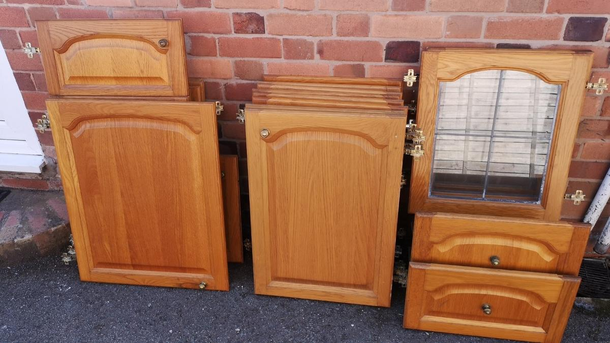 Free 21 Solid Wood Cathedral Kitchen Doors In Shrewsbury