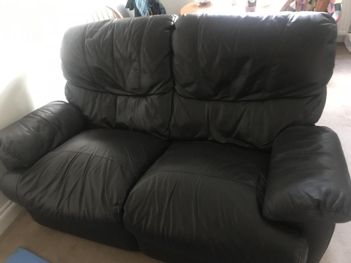Leather sofa / couch in NW5 Camden for £50 00 for sale - Shpock