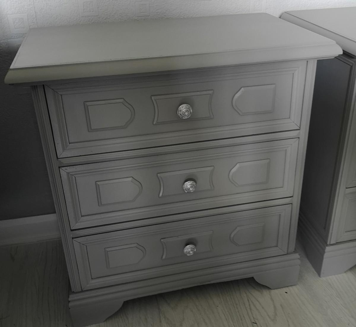 Picture of: 2 X Bedside Cabinets In Wf2 Wakefield For 50 00 For Sale Shpock