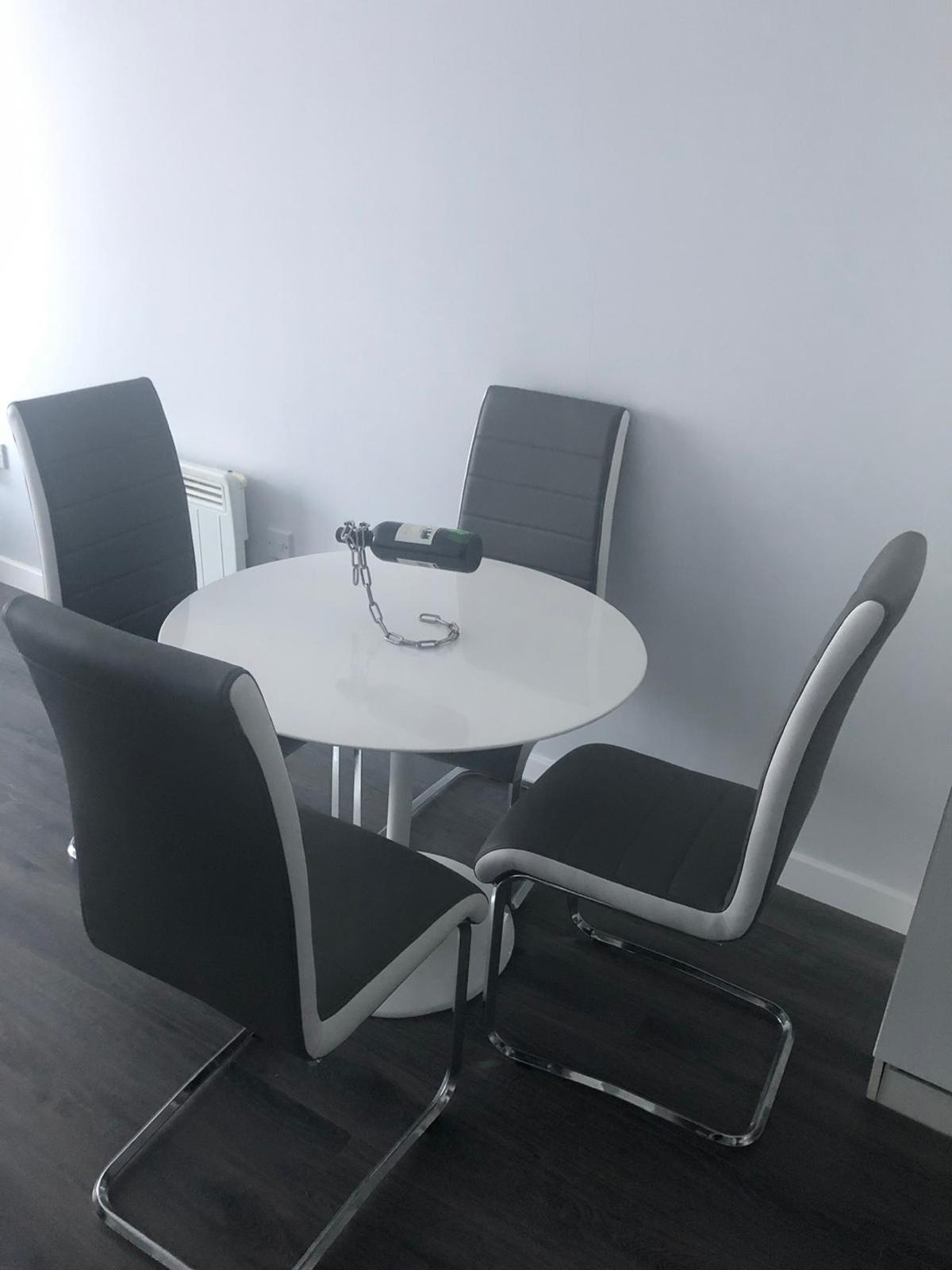 High Gloss White Dining Table And Chairs