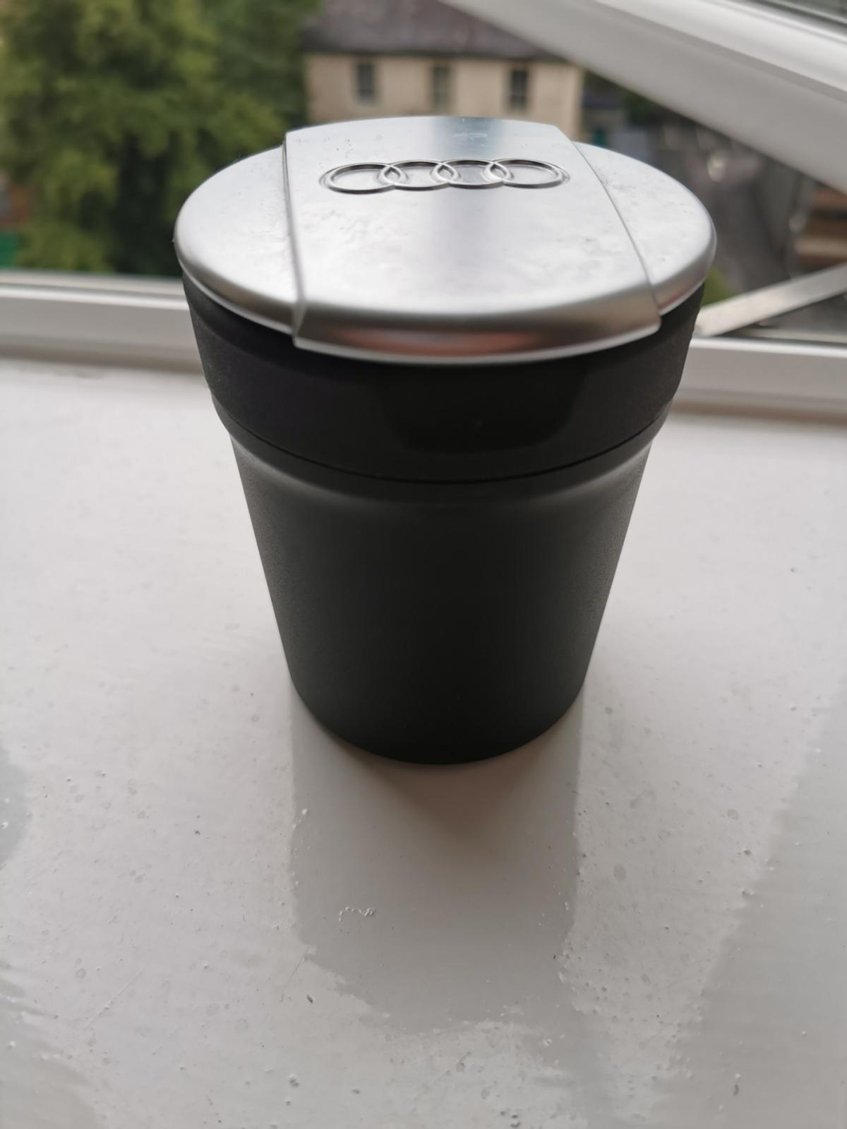 GENUINE AUDI ASHTRAY COIN HOLDER STORAGE POT FITS IN CUP HOLDER