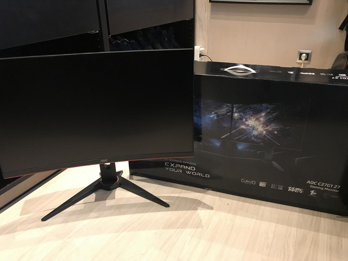AOC Gaming C9G9 (9 Zoll) Curved Monitor