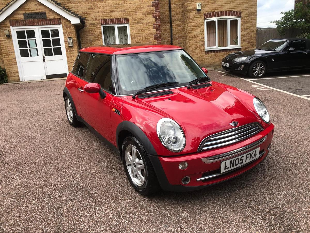 Mini Hatchback in NW11 London Borough of Barnet for £1,600 00 for