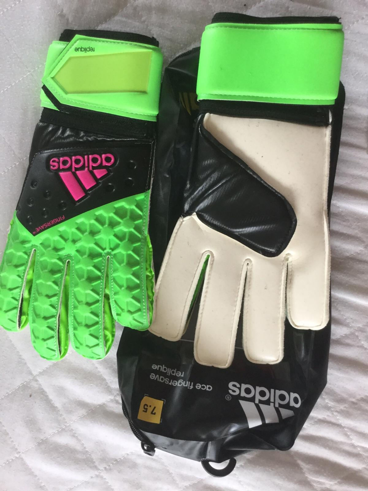 Adidas Ace Fingersave goalkeeper gloves 7.5