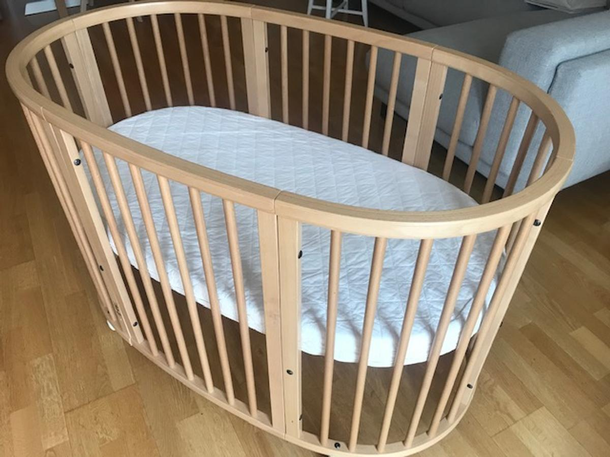 Stokke Sleepi Cot And Changing Table In Tw9 Thames Fur 400 00 Zum Verkauf Shpock At