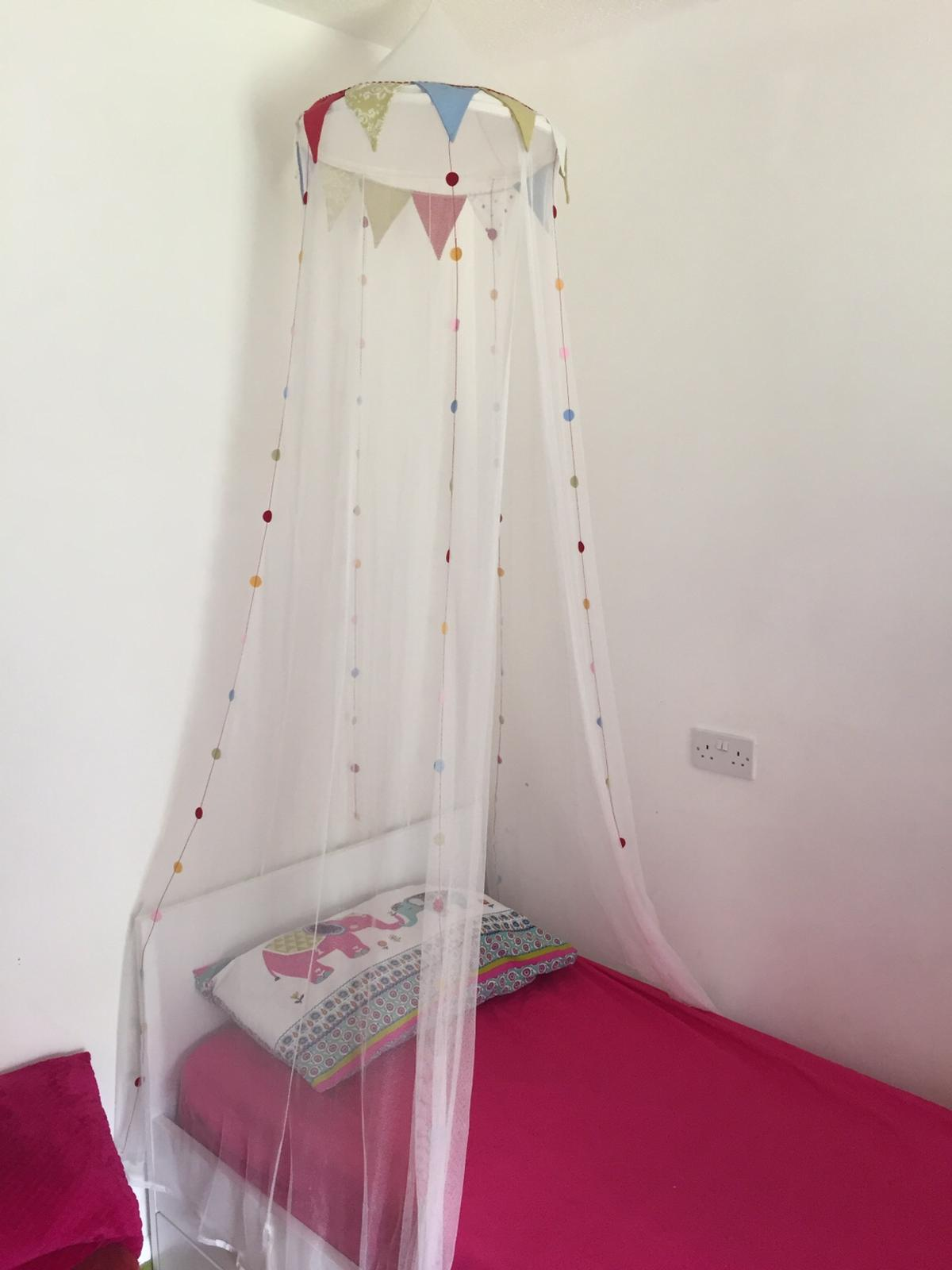 Ikea Bed Canopy Excellent Condition In Se27 London For 5 00 For Sale Shpock