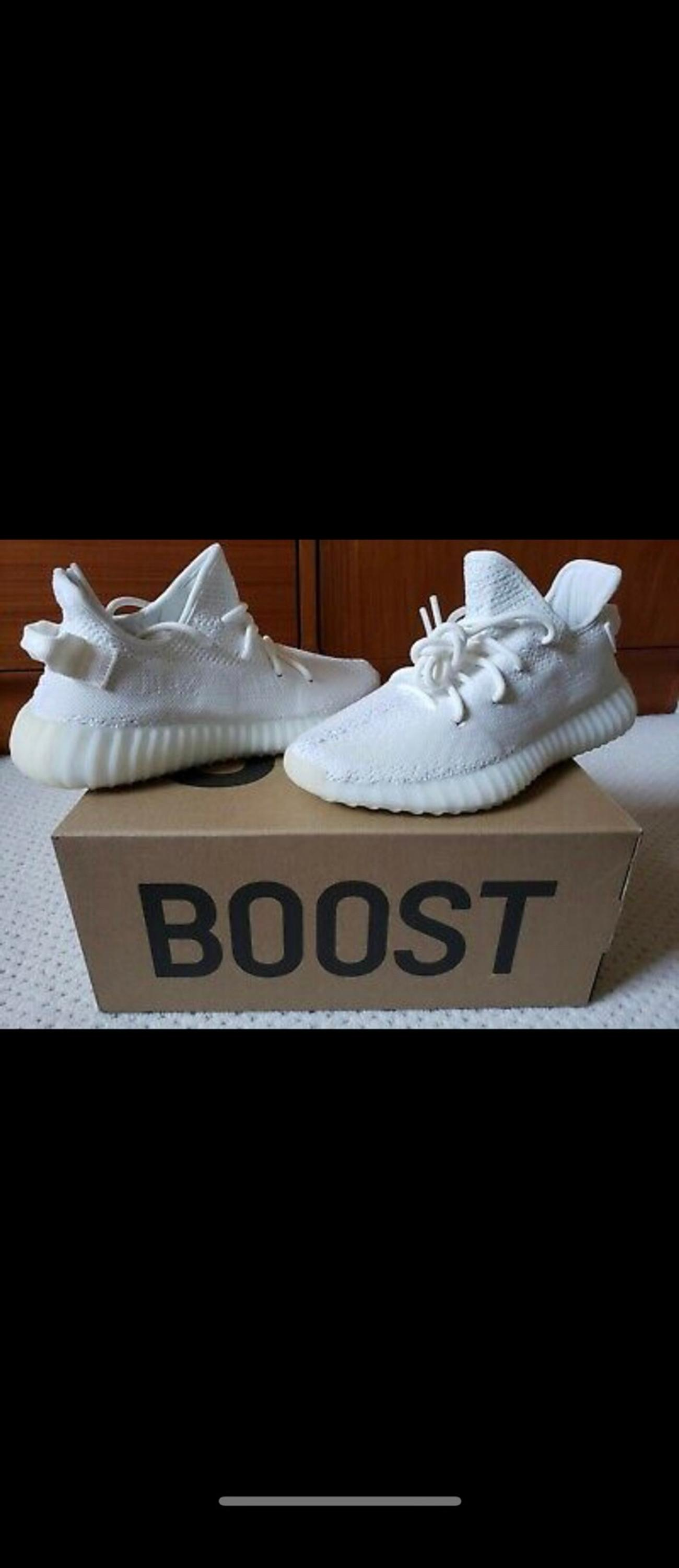 factory authentic d748e 1a8af Yeezy 350 v2 Triple-white