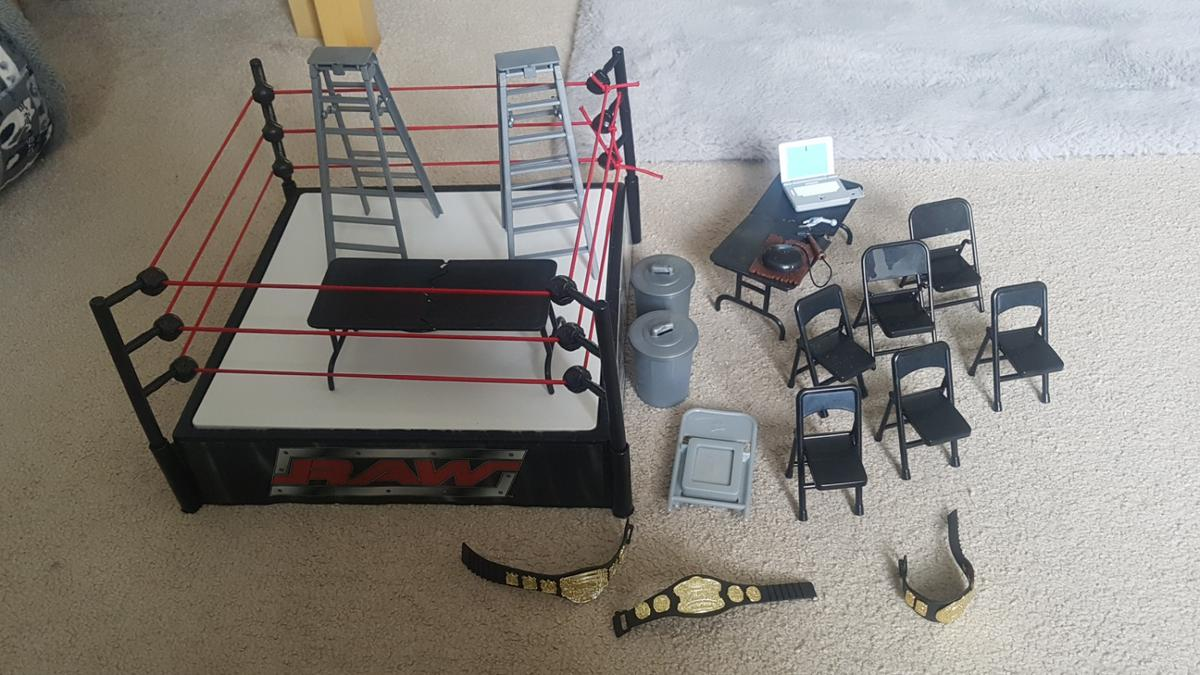 Wwe Ring Accessories And Figures