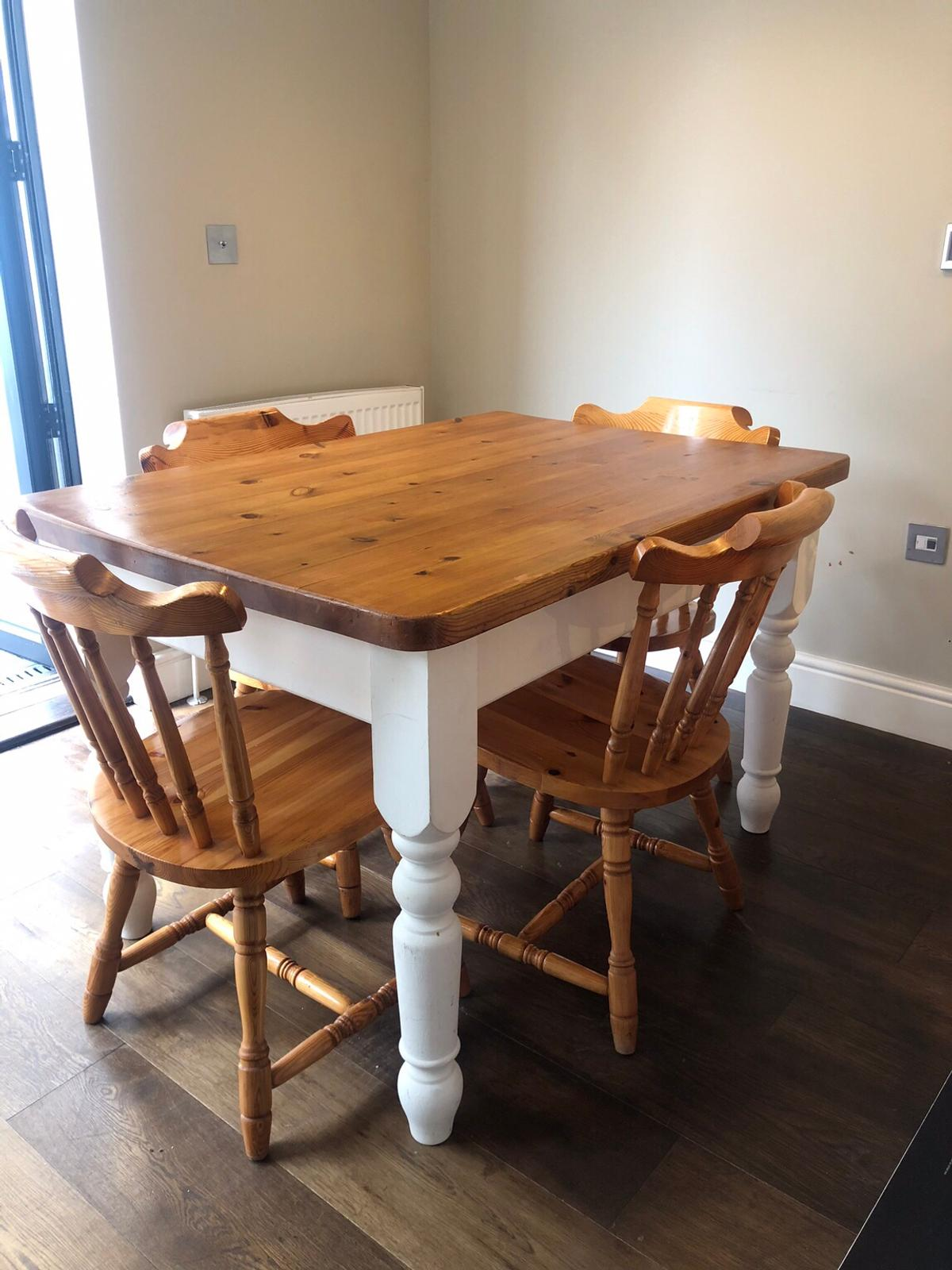 Farmhouse dining room table & chairs in SW9 Lambeth für £ 9,9 ...