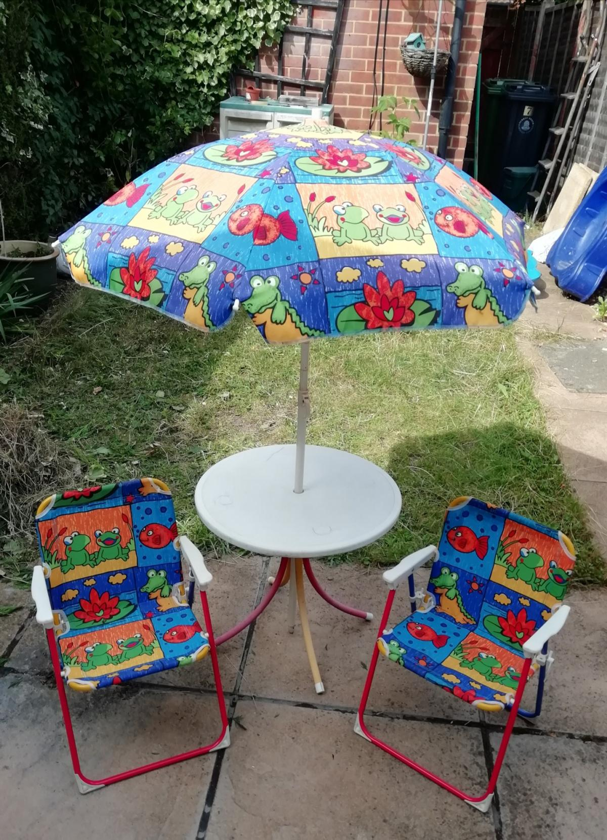 Marvelous Two Kids Folding Chairs In Gu16 Heath For 6 00 For Sale Caraccident5 Cool Chair Designs And Ideas Caraccident5Info