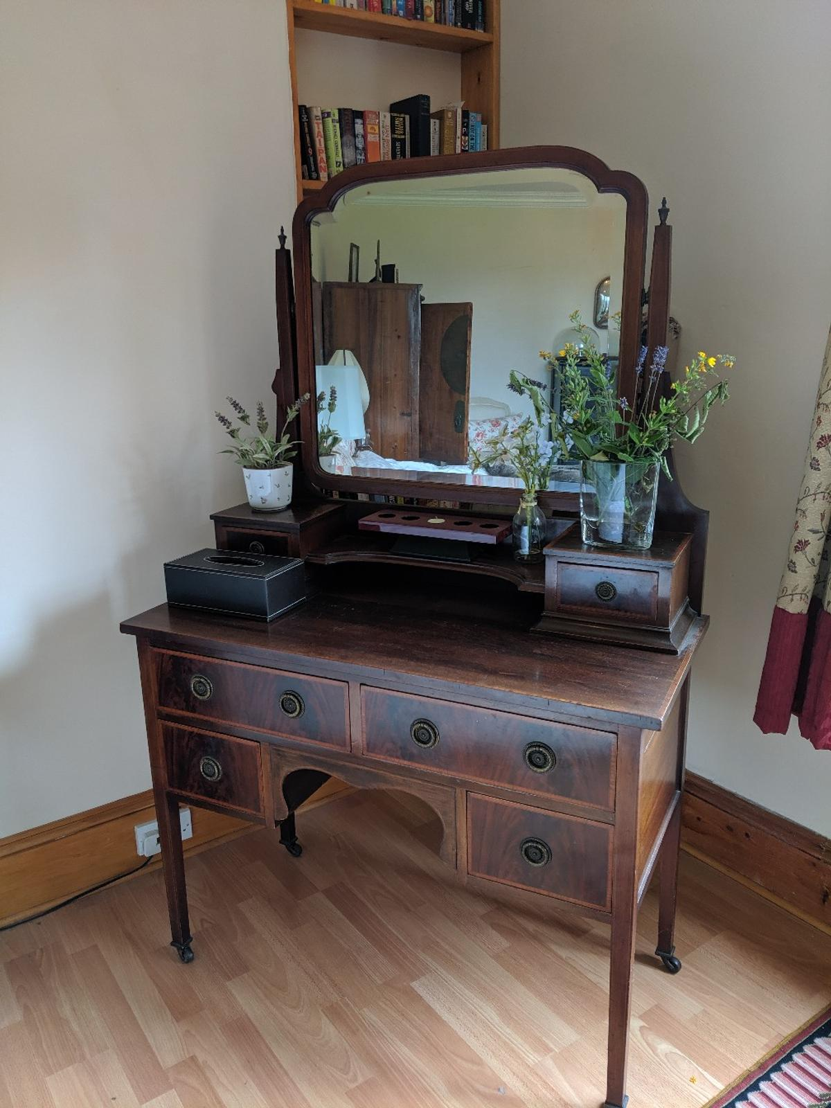 lowest price 83ba3 16f33 Antique Dressing Table