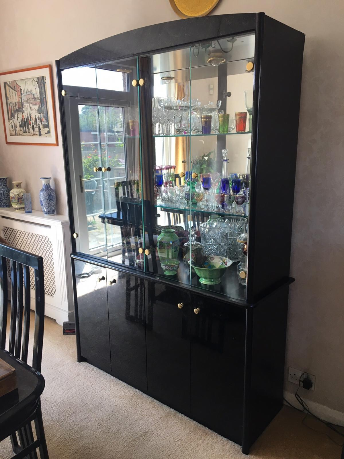 Large Gl Display Cabinet In Ig1