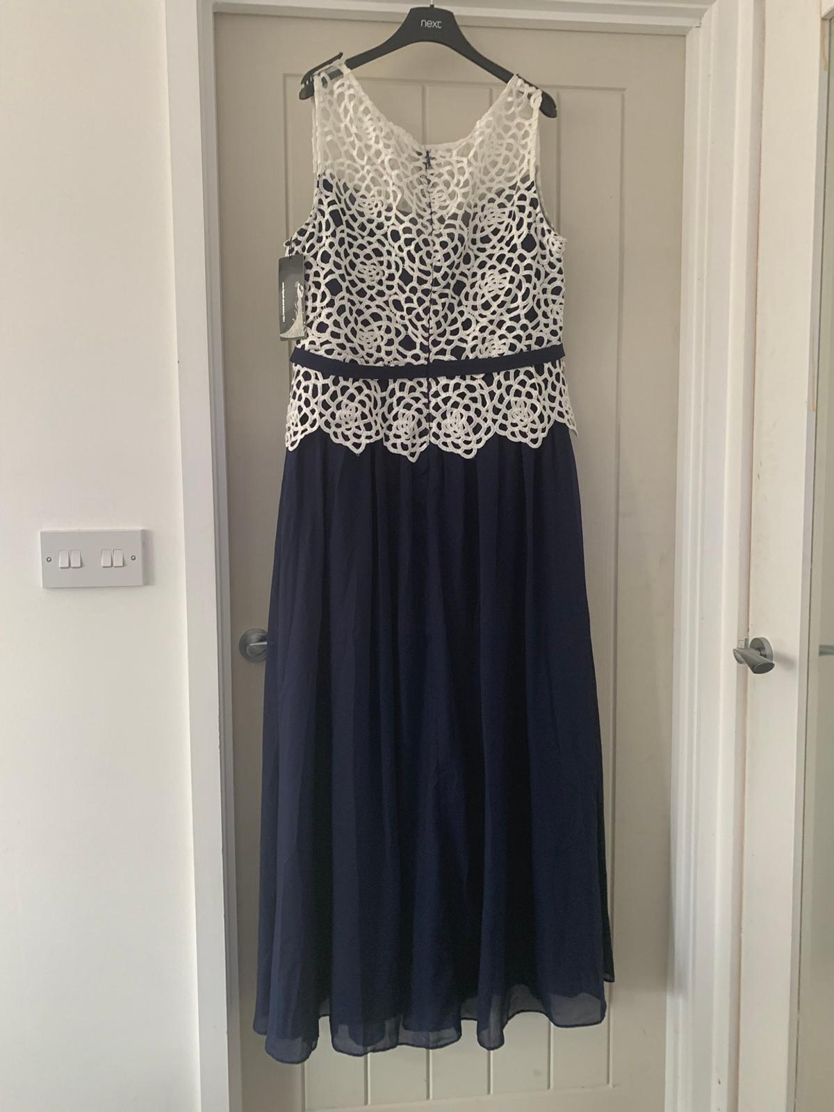 Stunning Navy And Cream Lace Dress Size 18