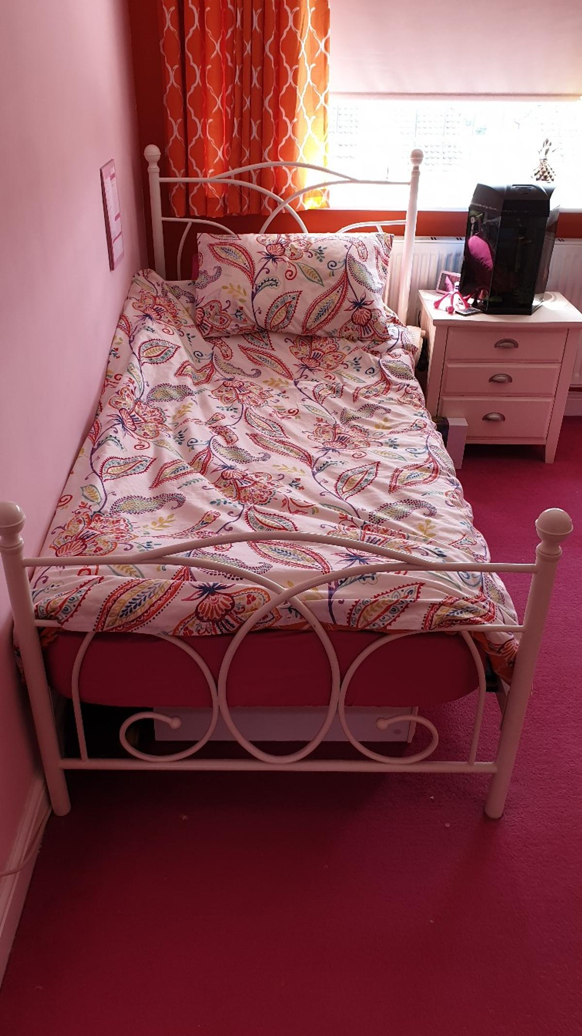 quality design d1554 f84e7 METAL SINGLE BED FRAME in SS9 Sea for £50.00 for sale | Shpock