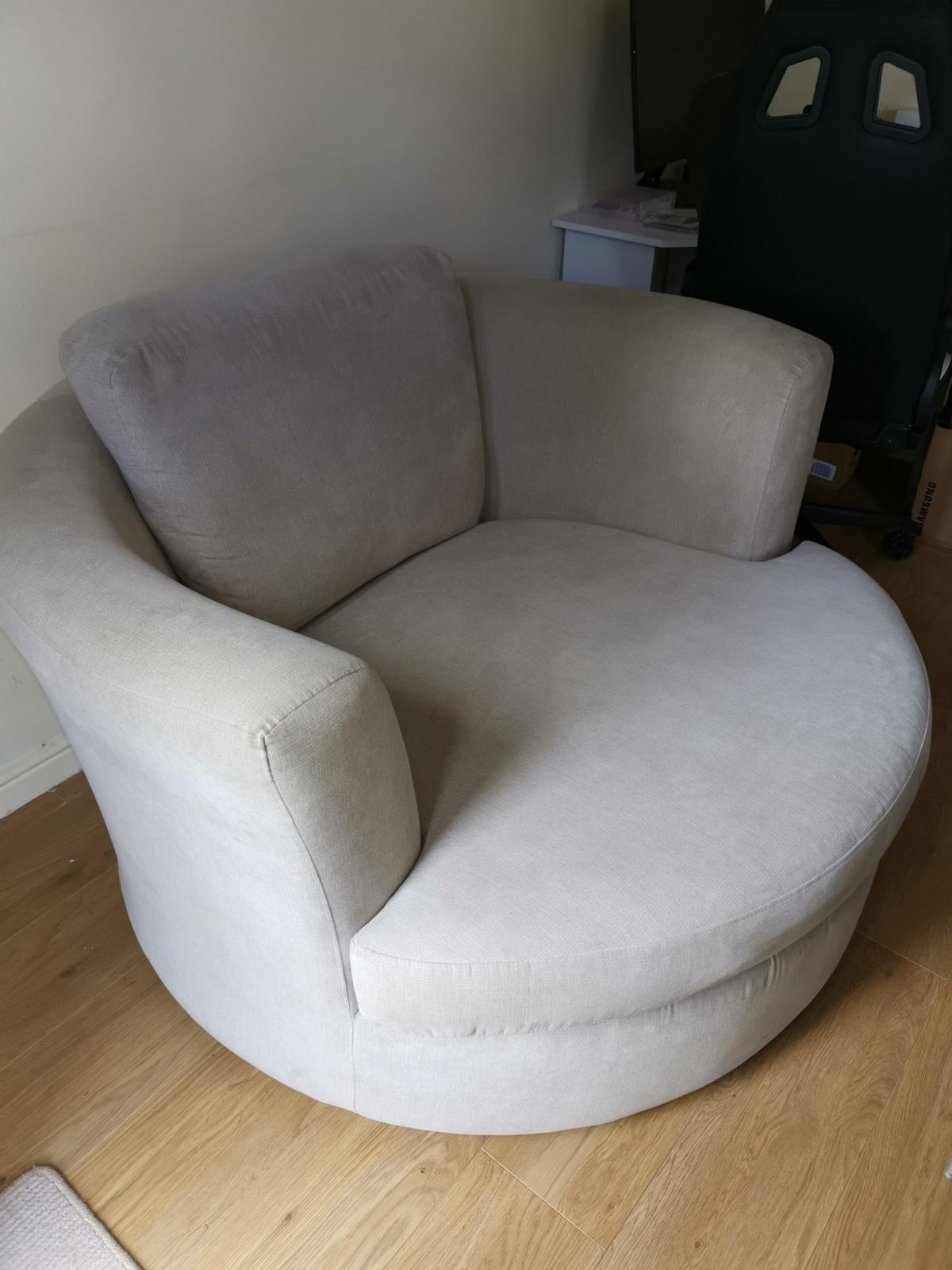 Large Swivel Cuddle Chair