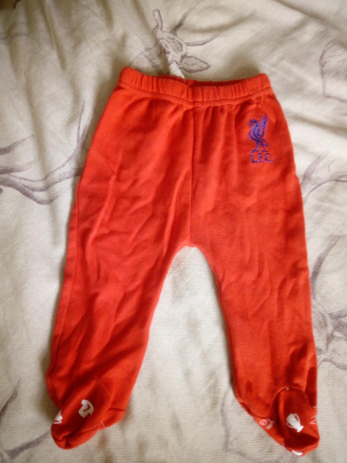 official LFC set. 0-3 months, good condition. check out other listings.