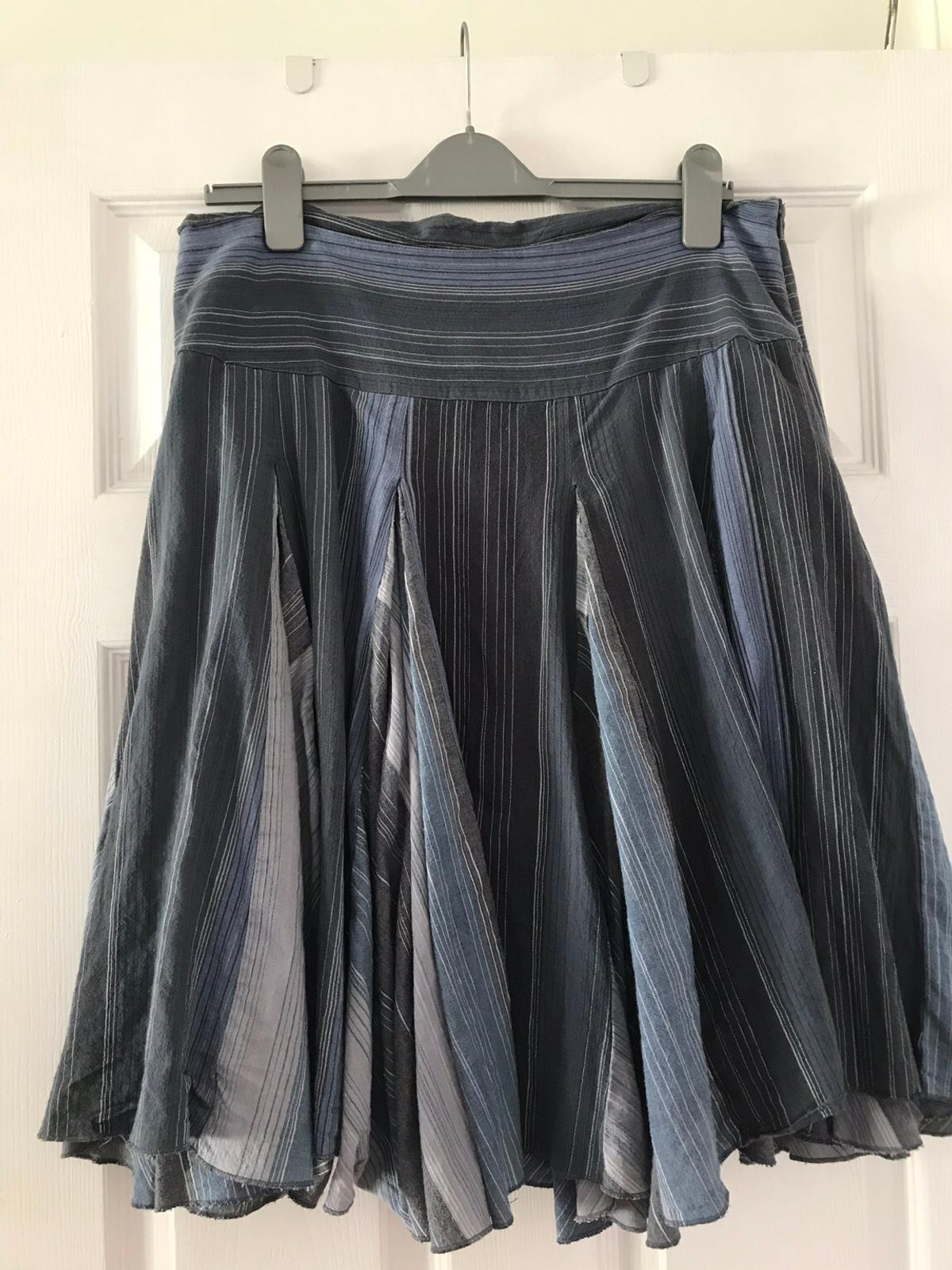 Lovely blue layered look skirt from Papaya. Size16