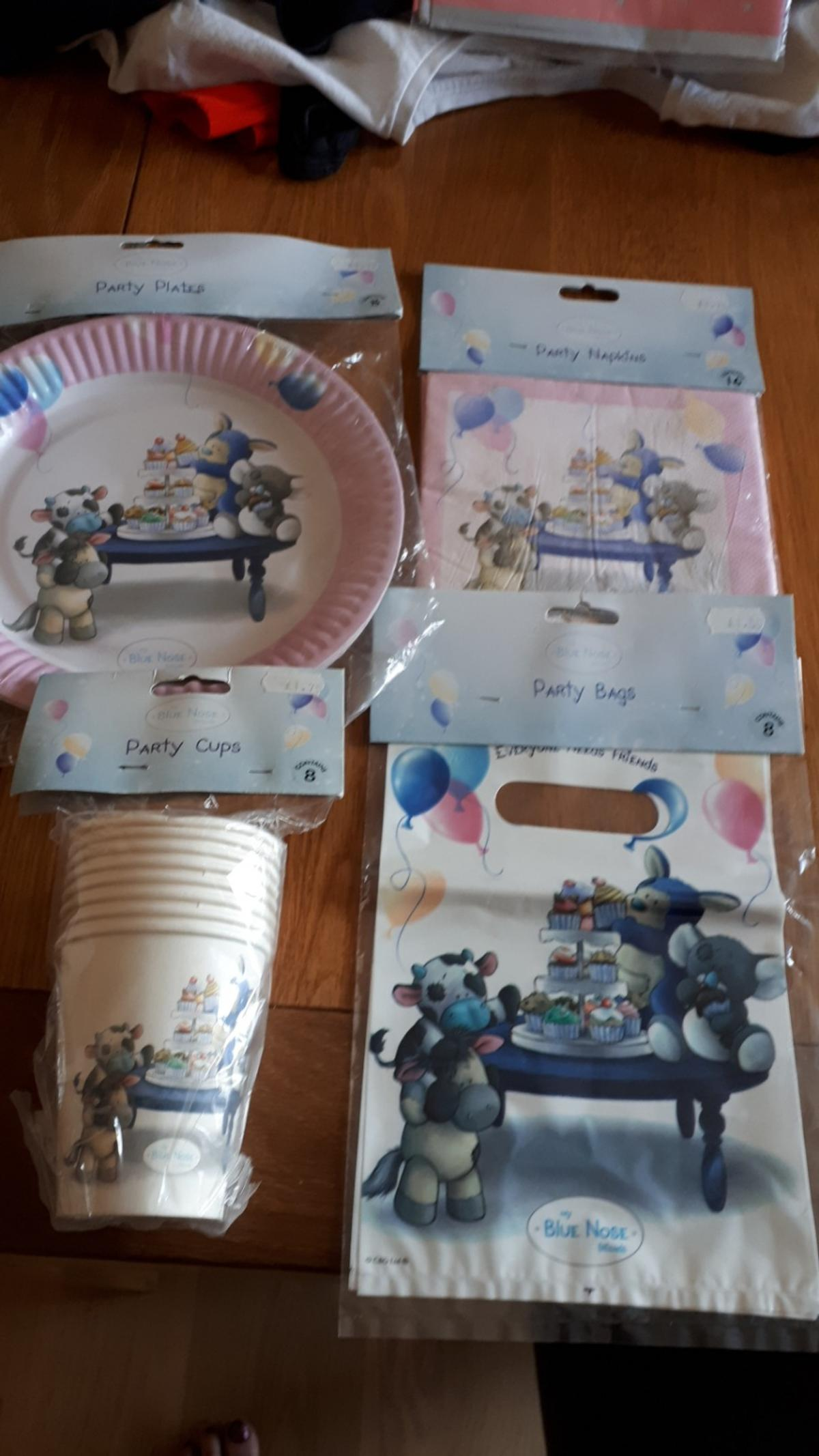 new my blue nose party 16 napkins 8 plates 8 cups and 8 party bags.from smoke and pet free home.collection only