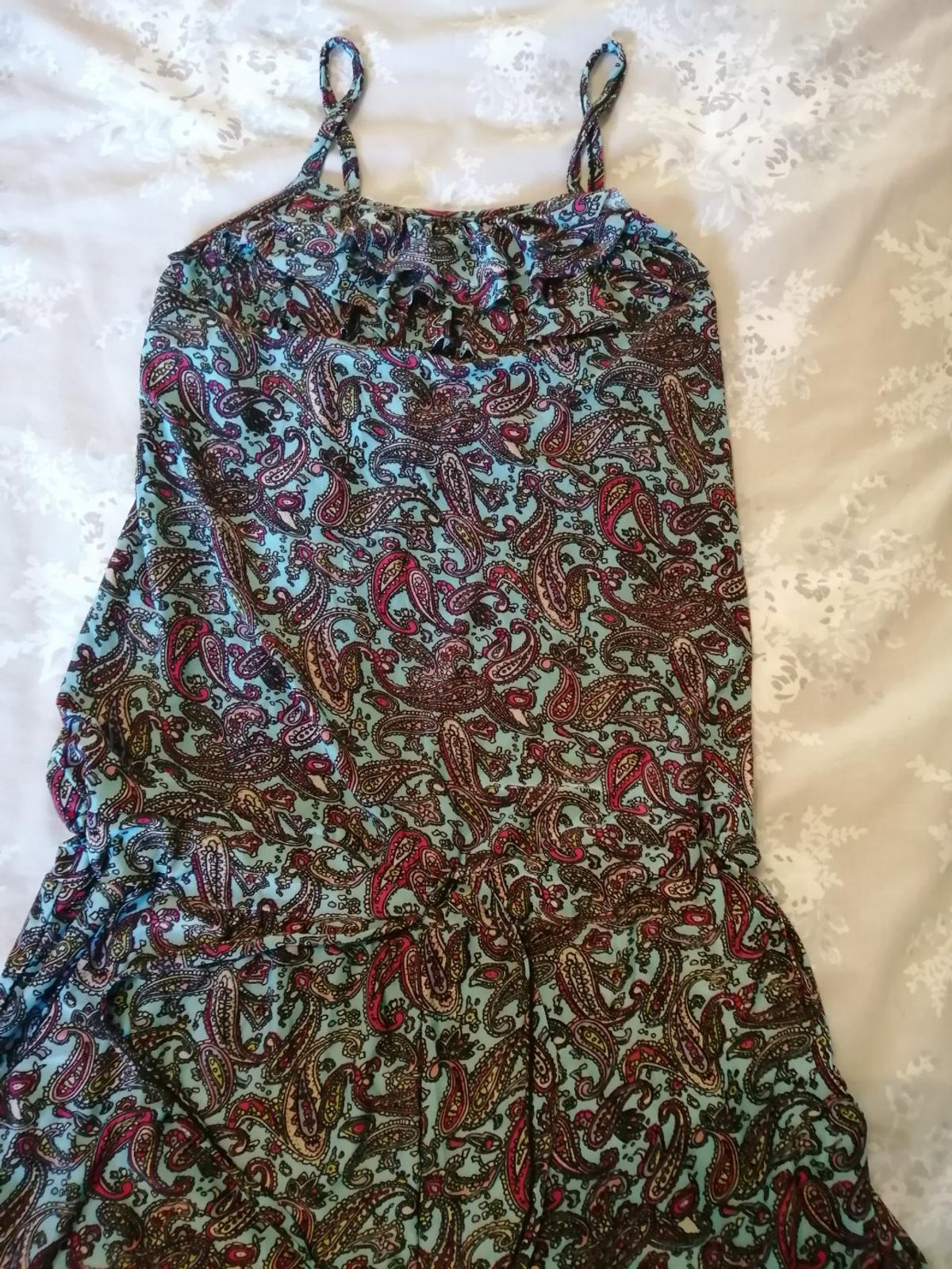 Size 10/12 and skirt is small size 14, both playsuit are size 10 to 12 too, £3 per item