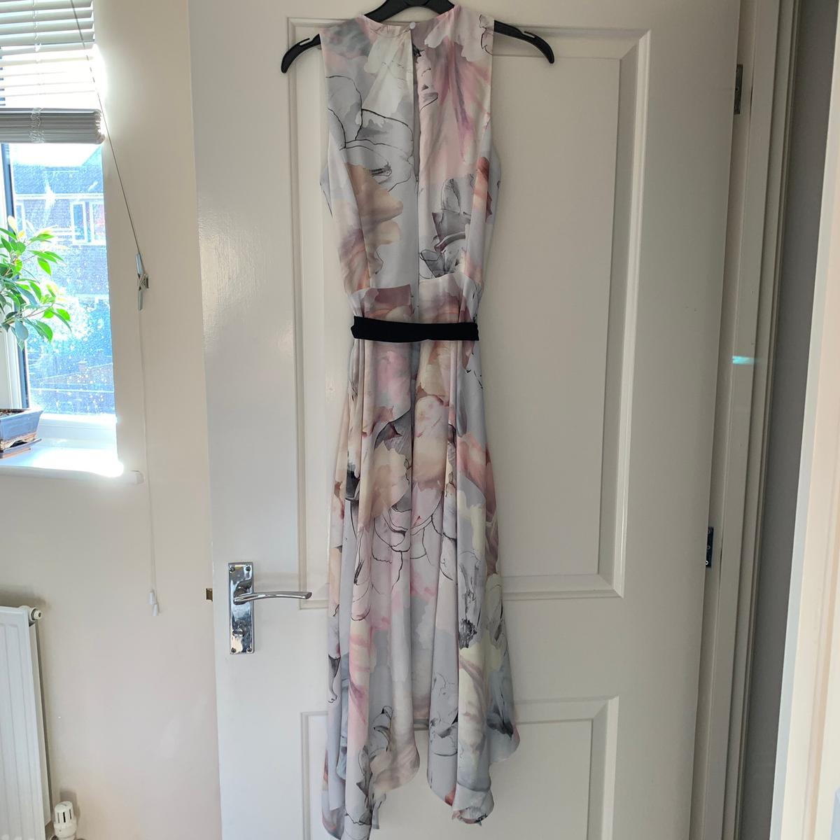 Oasis dress size 6 Warn once Perfect condition. Collection only