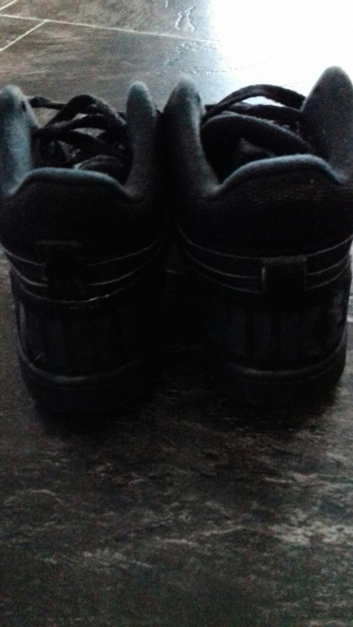 Great condition size 4 juniors