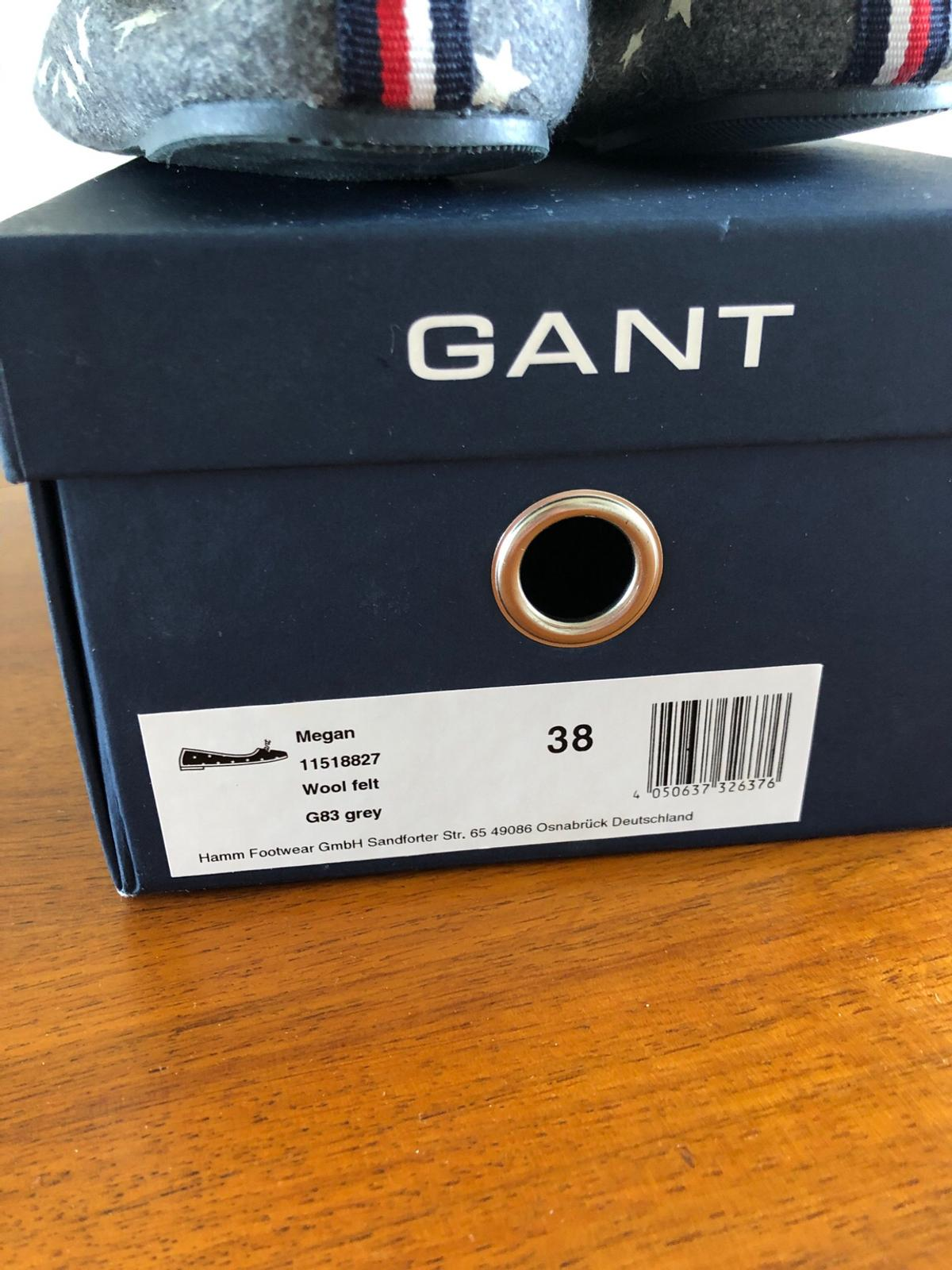 Never worn Gant slippers size 38 (more like a 37 though). With original box.
