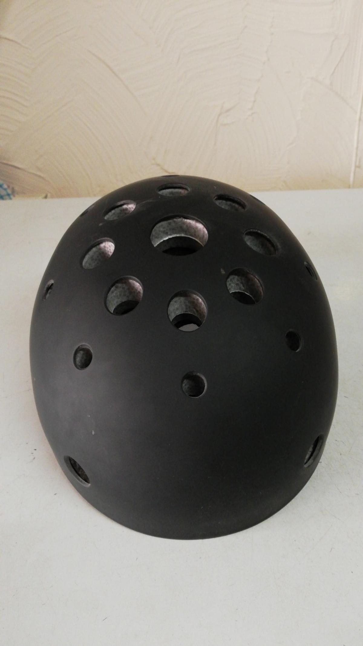 Small kids black scooter helmet, only used a couple of times