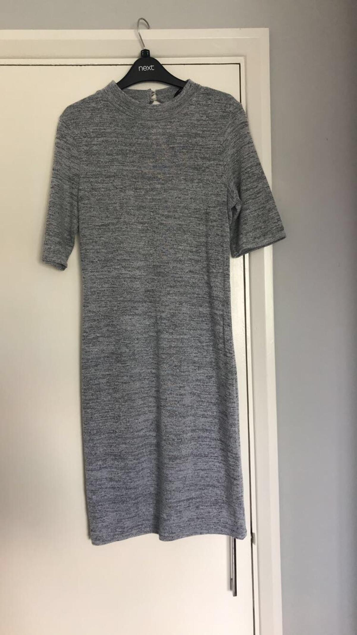 Tight fitted Worn a few times Comfortable Size 14-15 Can fit size 6 and 8 Still in perfect condition