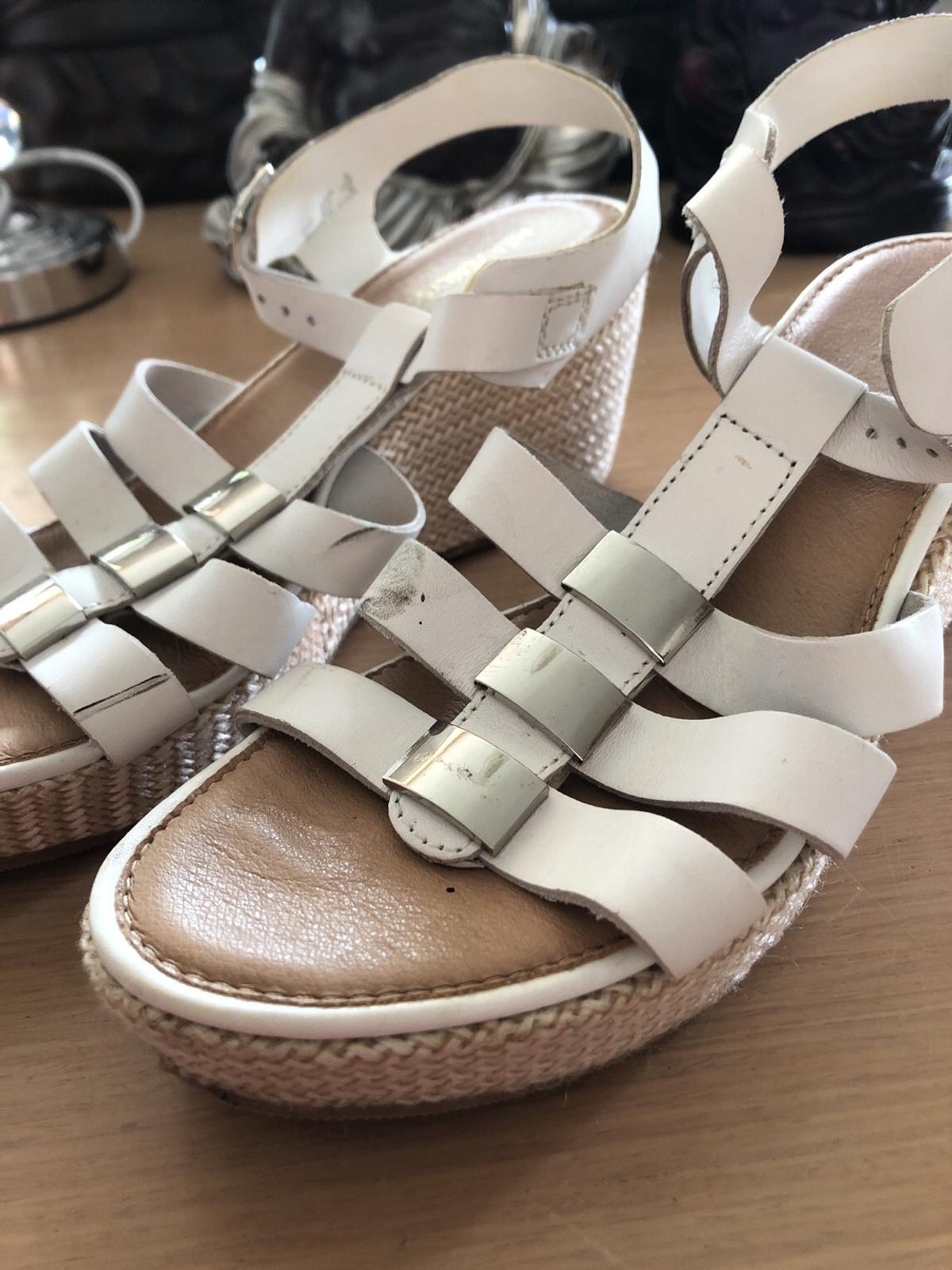 White leather sandal wedged