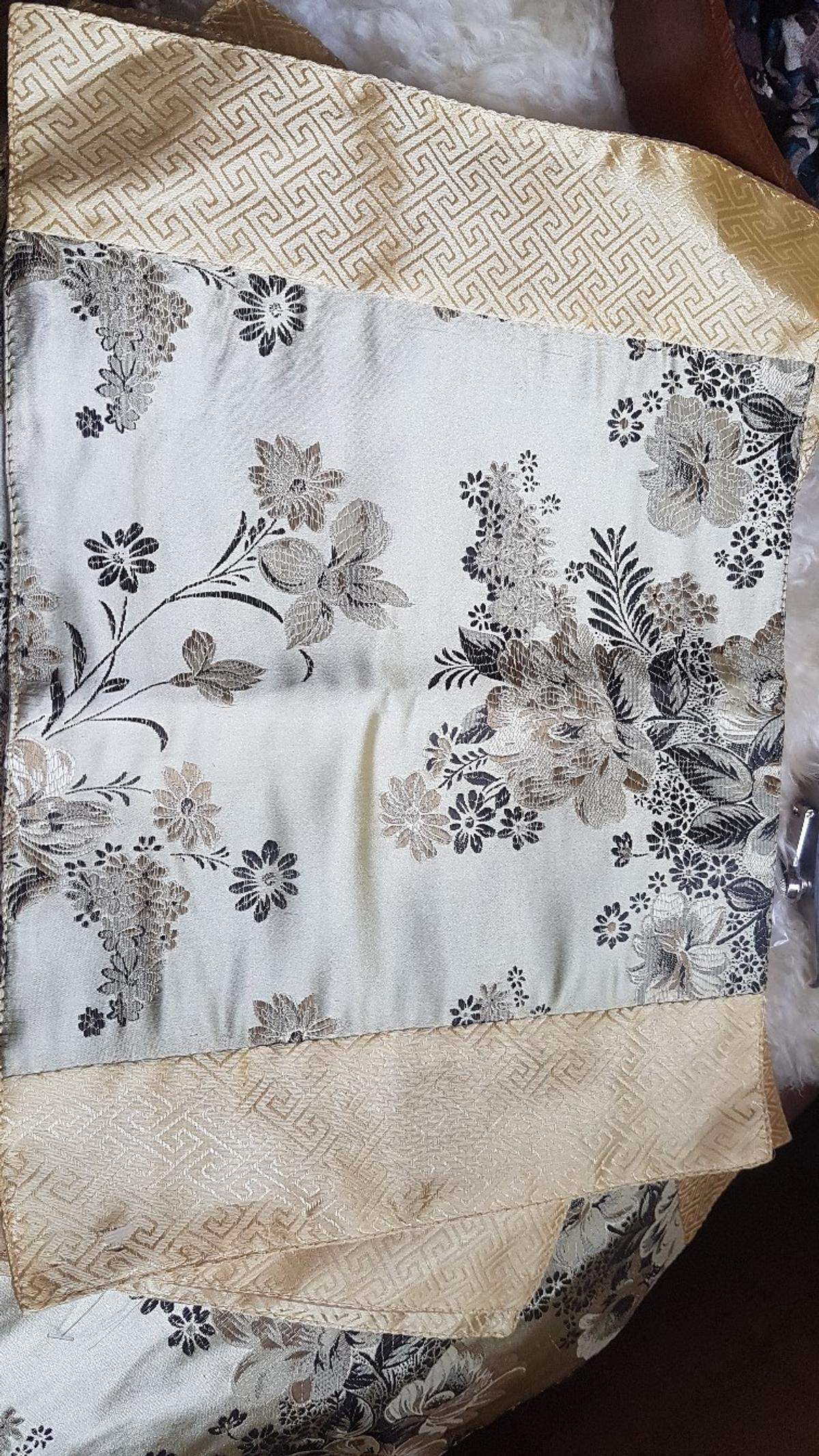 set of 6 material placemats great condition Collection Ruddington