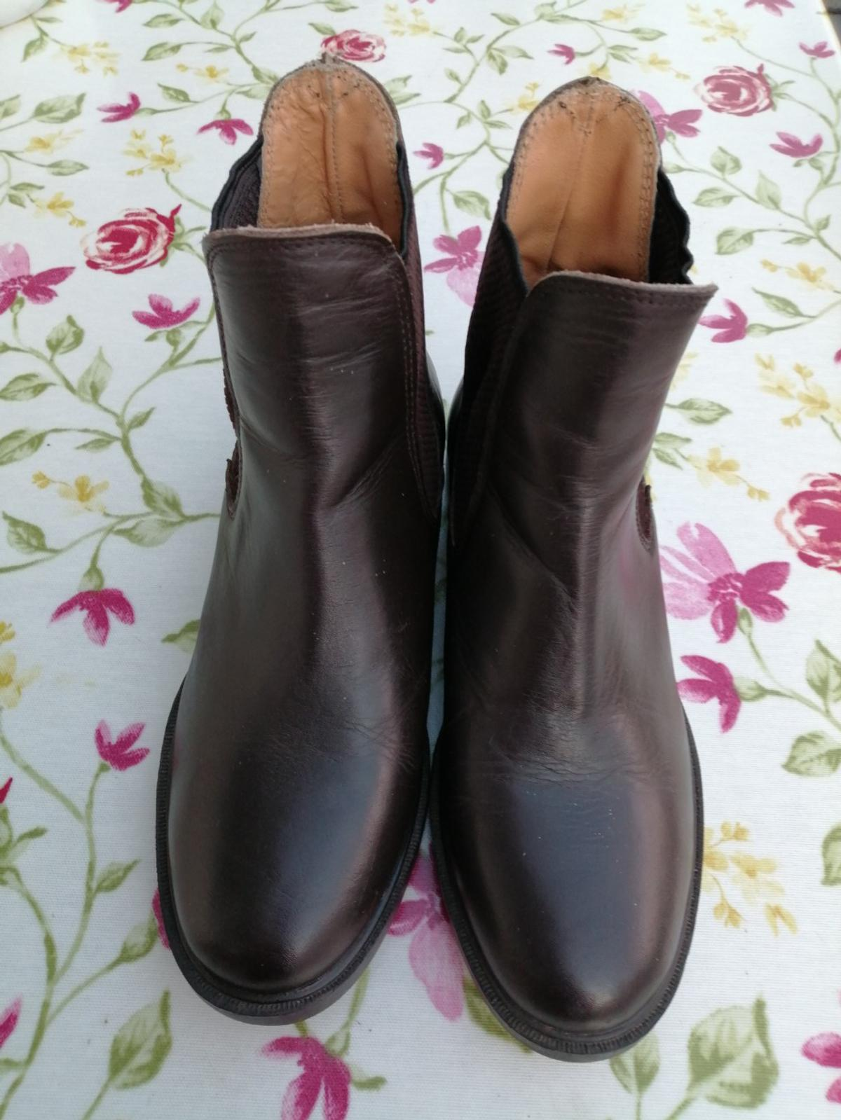 Harry Hall Jodpur Boots. Size 4.Dark Brown. Like new. Worn a couple of times.
