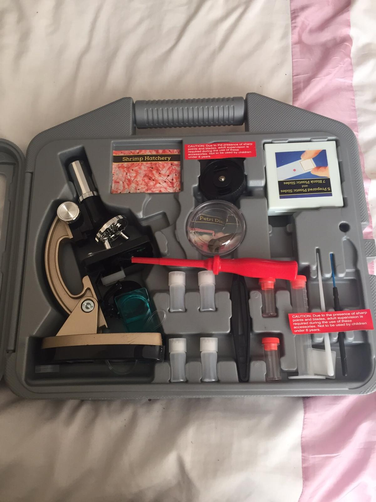 Microscope kit like new used once all there, excellent condition in box excellent Christmas present