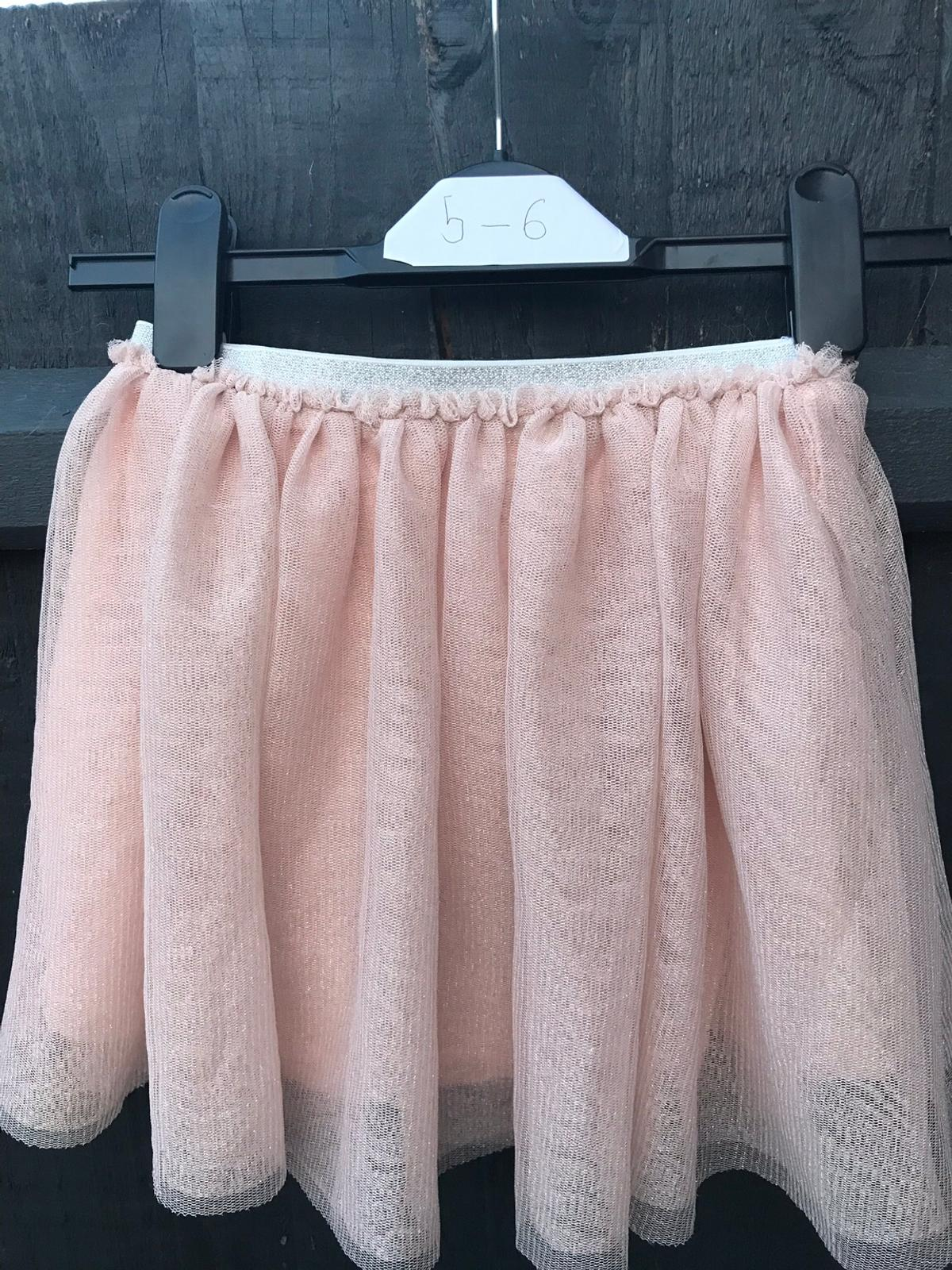 Pink netted shimmery skirt Beautiful and in excellent condition Age 5-6 Collection from louth or can deliver if local to louth £2.50