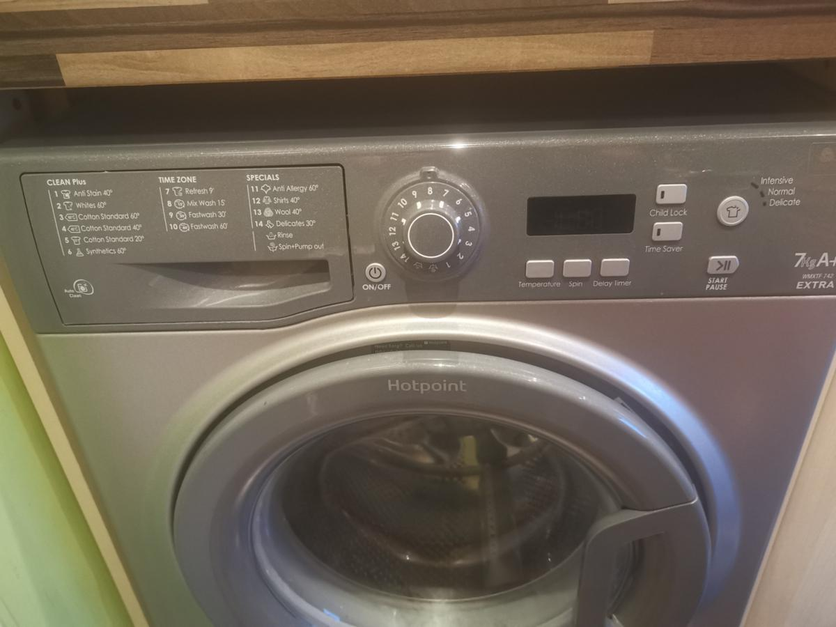 Hotpoint Wmxtf742 Extra Graphite Washing Mach In Rm18 Tilbury For 60 00 For Sale Shpock
