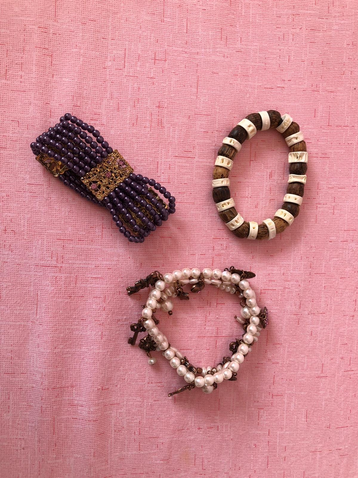 Sumer bracelets, excellent condition. Any 3 for £ 5 or £2 each. Collection HA7