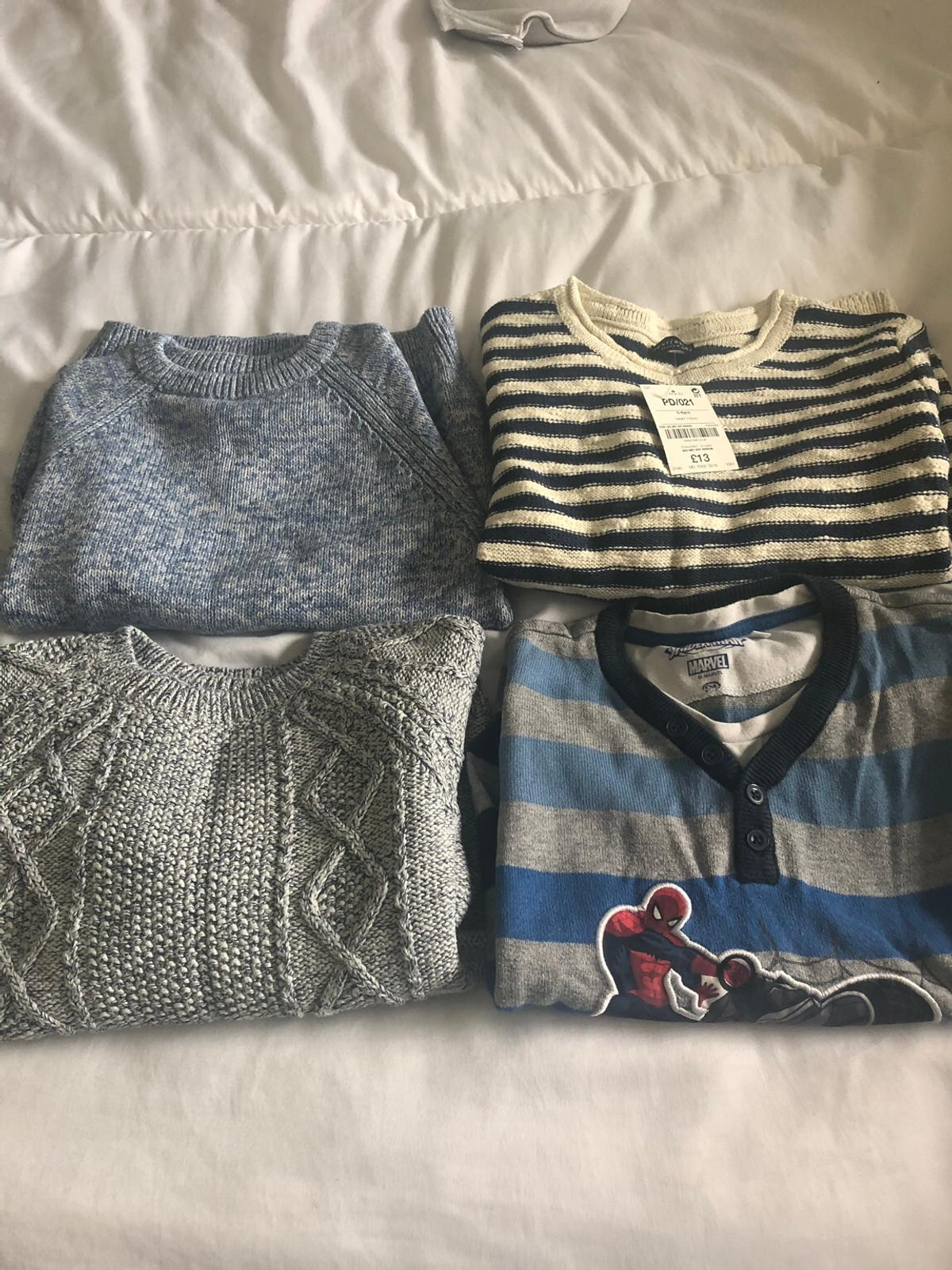 Boys jumpers age 5/6 one of the jumpers still as tag on and still all in good condition