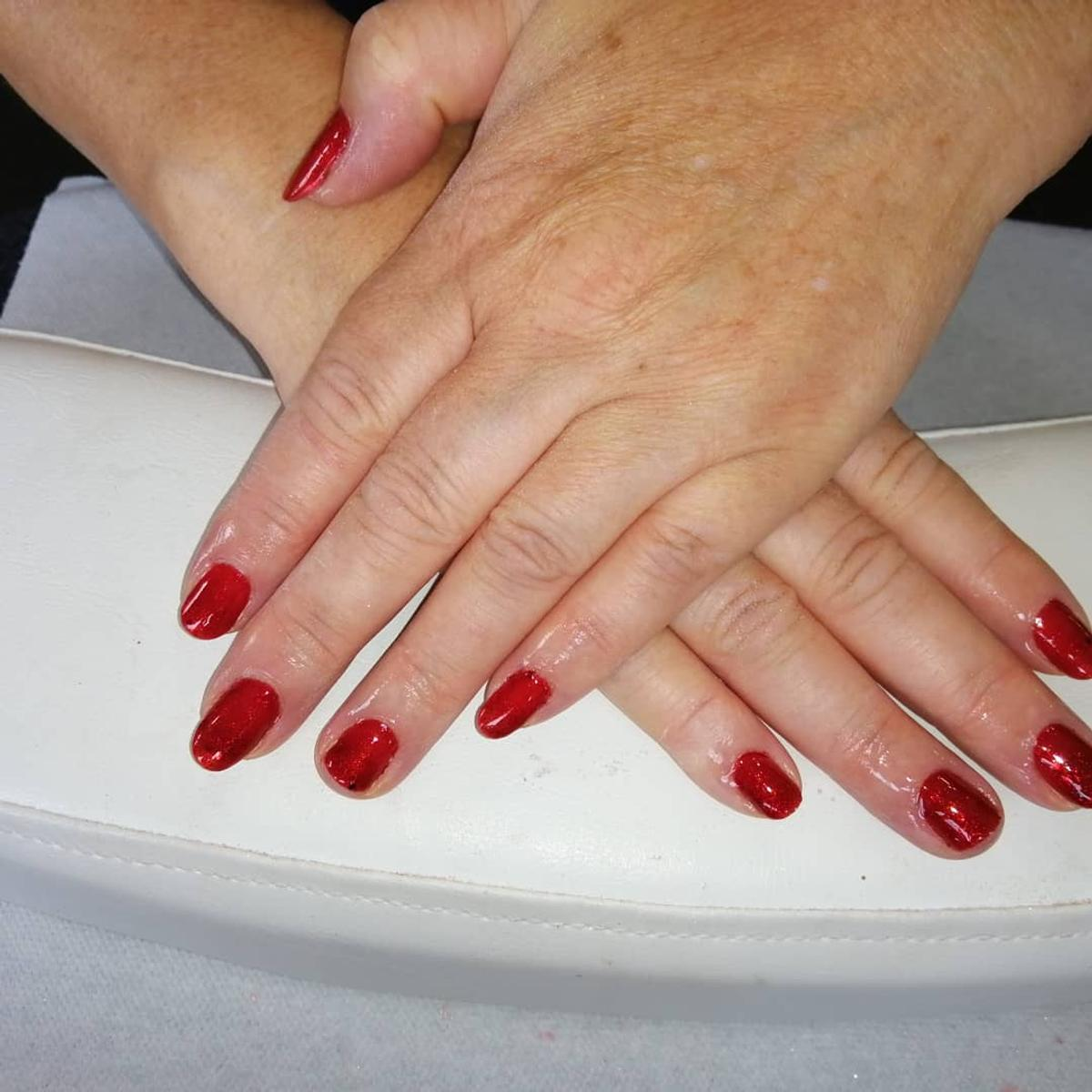 £10 per set of gel polish hands or feet, located in Ebbw Vale Town.