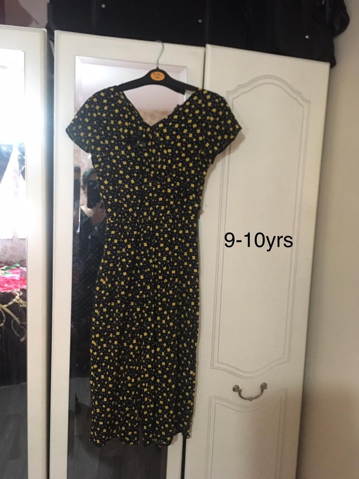 New never been worn Collection from st6
