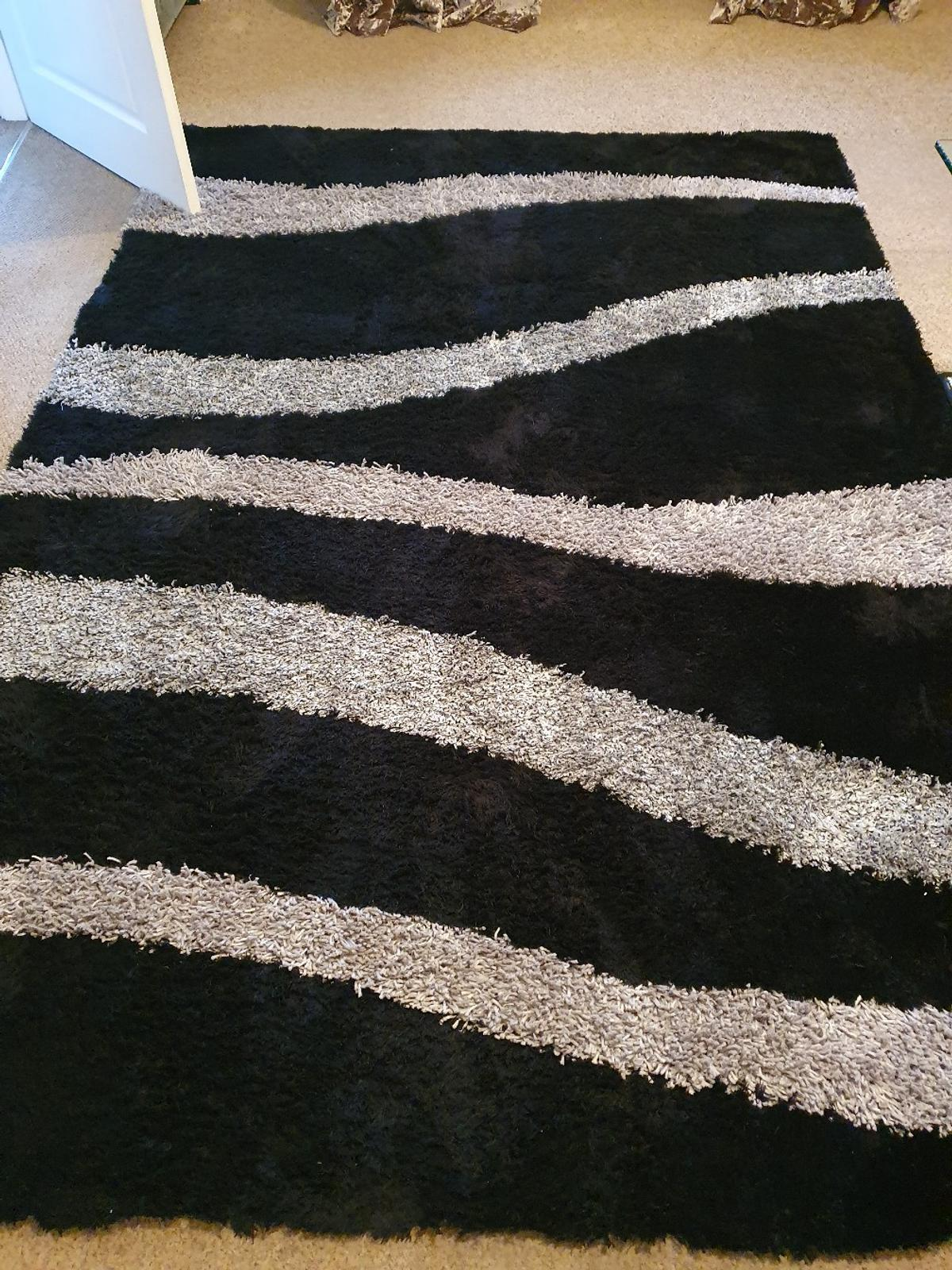 Rugs In Sy8 Ludlow For 65 00