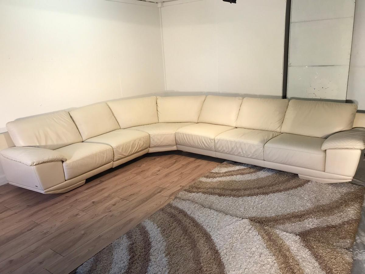 Picture of: Natuzzi Genuine Leather Corner Sofa In Sw8 London For 1 500 00 For Sale Shpock