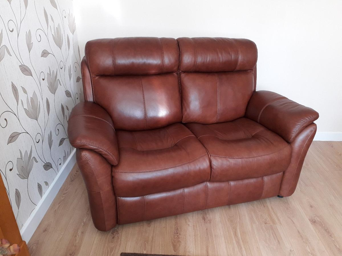 Brown Leather Sofa And 2 Chairs In Ne28 Tyneside For 900 00 For