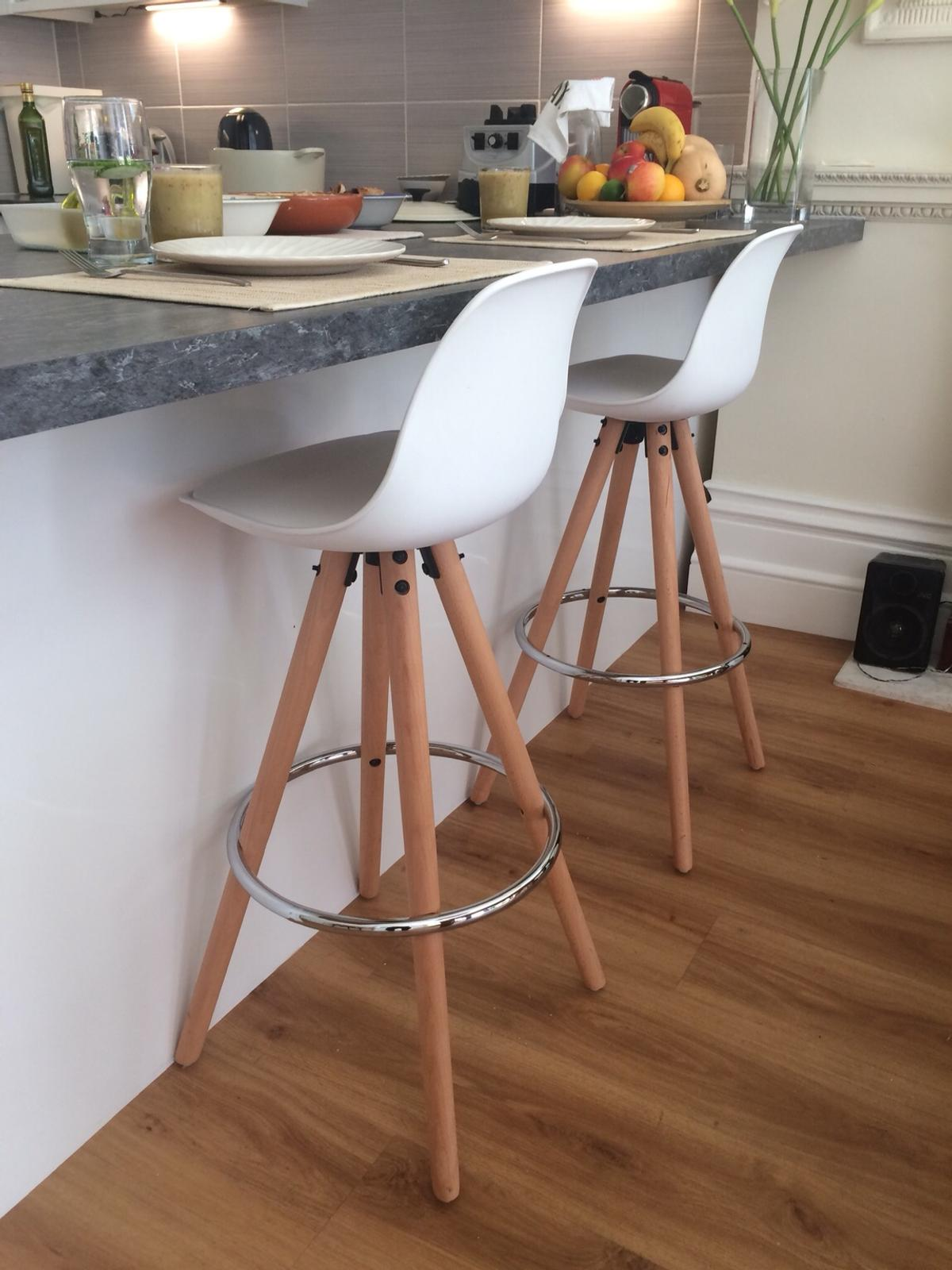 Sensational White Kitchen Counter Bar Stools In W8 Chelsea For 70 00 Theyellowbook Wood Chair Design Ideas Theyellowbookinfo