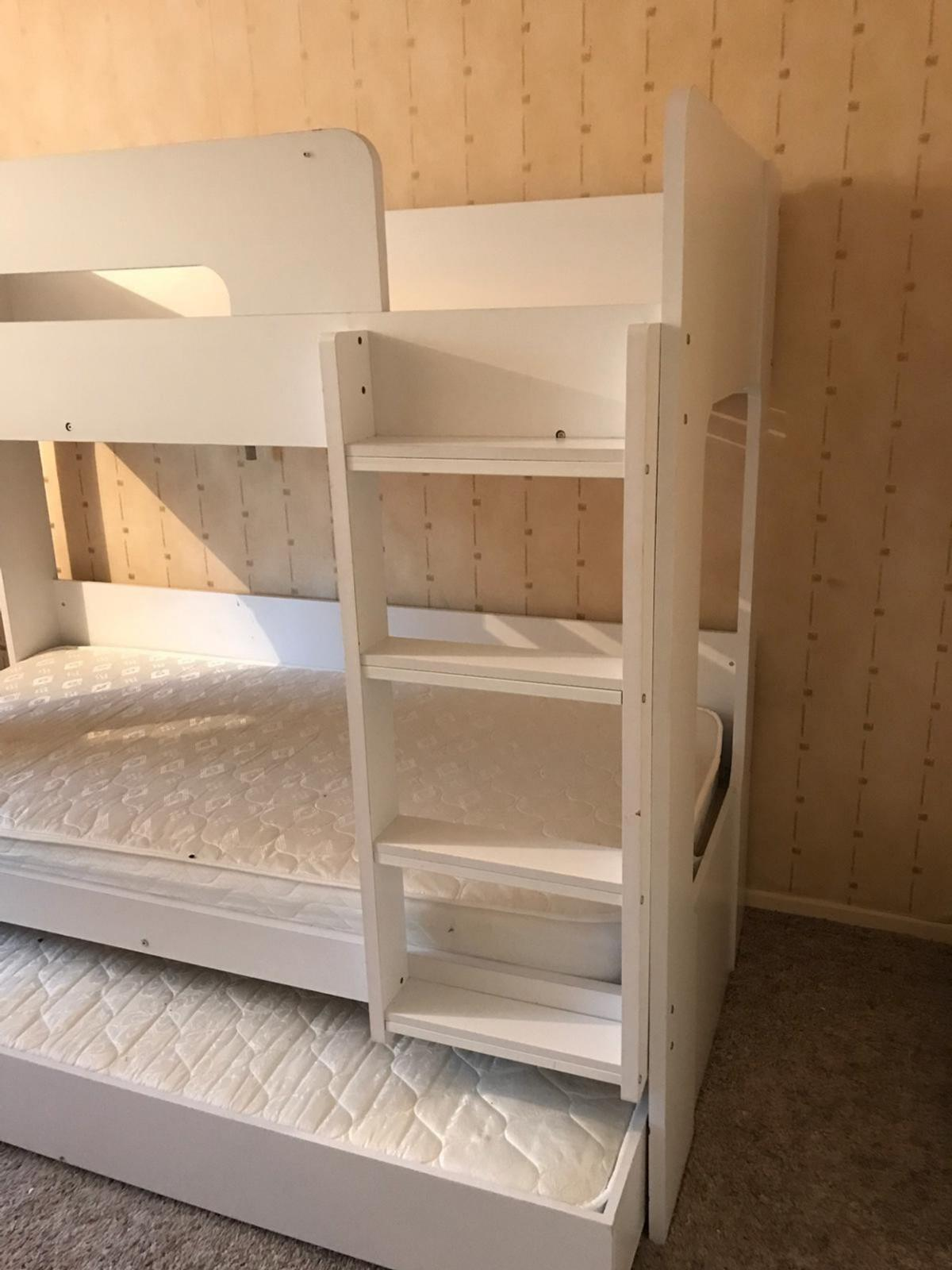 White Bunk Beds With Pull Out Trundle Bed In Bd13 Bradford Fur 135 00 Zum Verkauf Shpock At