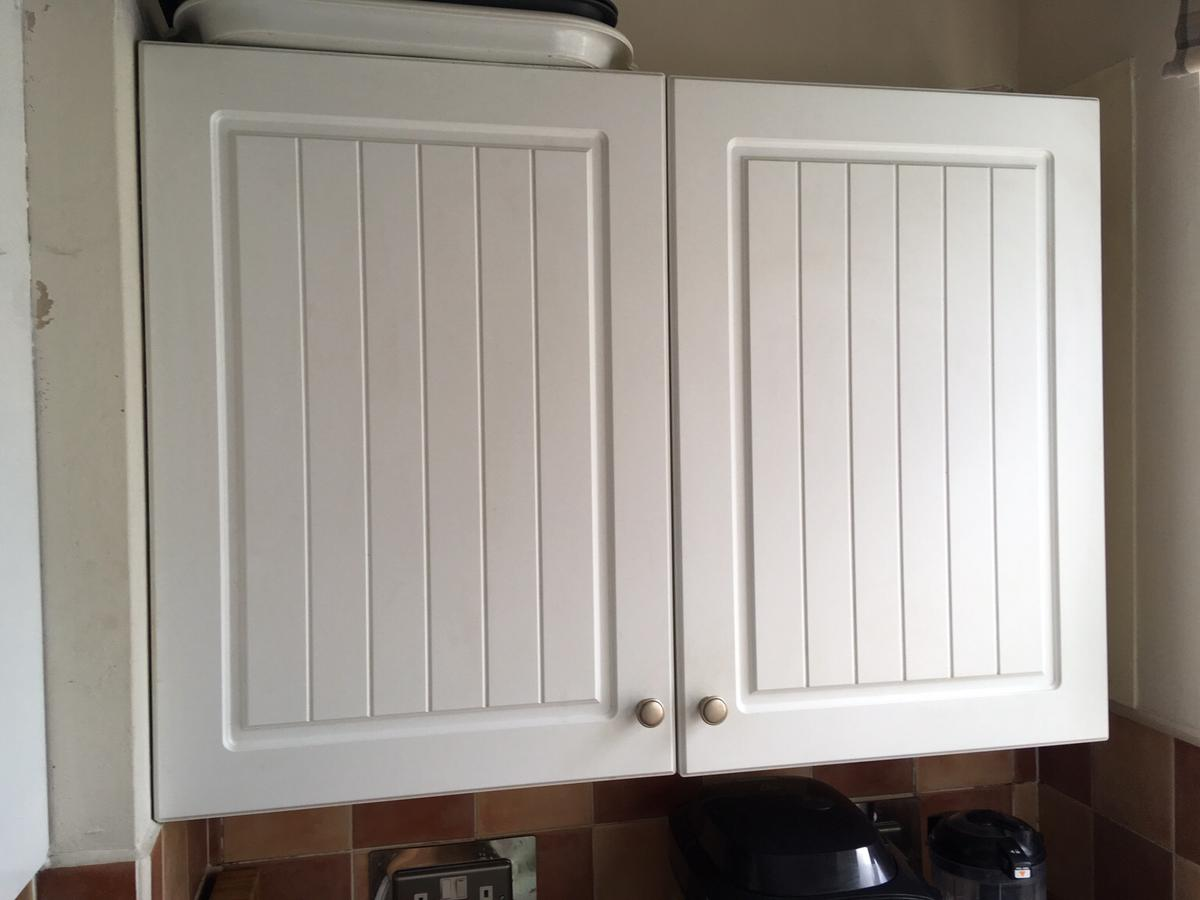 Chilton White B Q Kitchen Cupboard Doors In B65 Sandwell For 8 00 For Sale Shpock