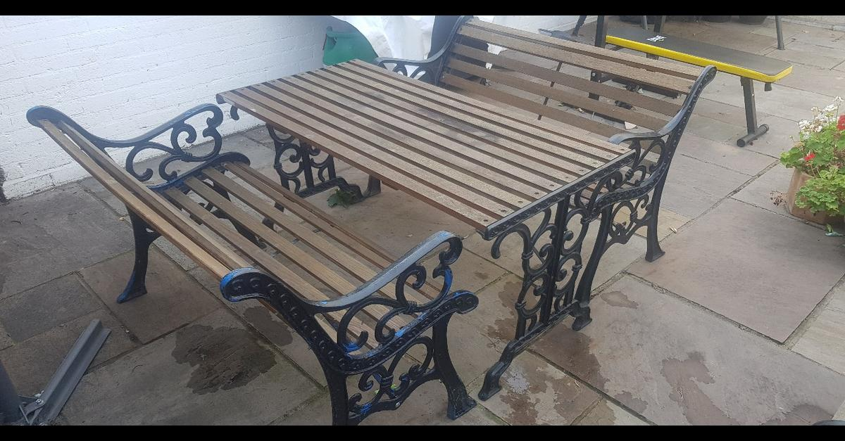 Picture of: Cast Iron Garden Table 4 Chairs 2 Benches In Sw19 London For 170 00 For Sale Shpock