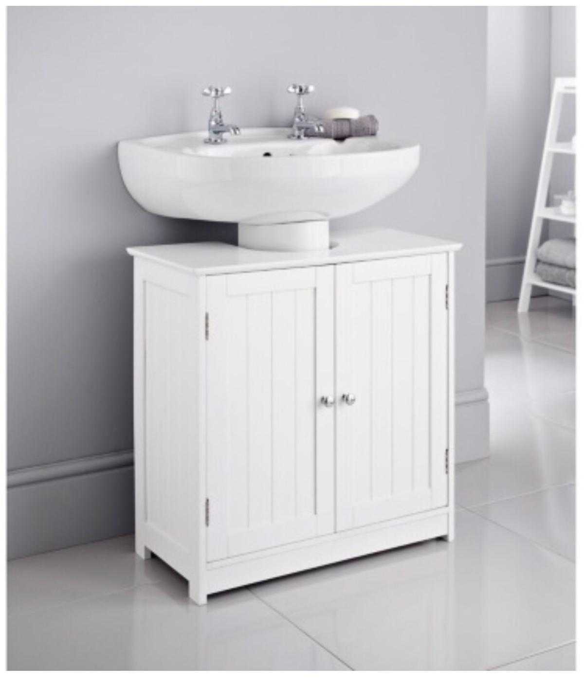 Picture of: Under Sink Cabinet In E5 London For 30 00 For Sale Shpock