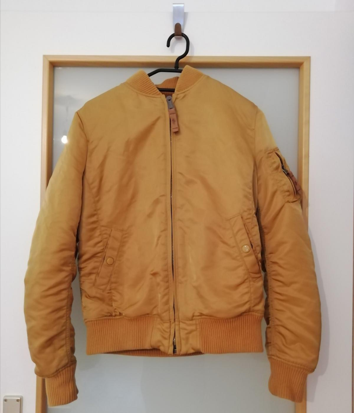 Alpha Industries Damen Jacke M Gold in 1110 KG Simmering for