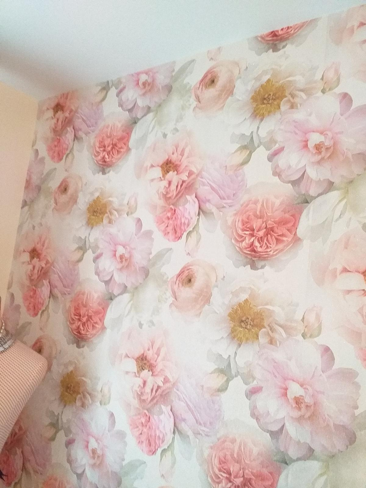 ARTHOUSE Luxury shimmer Wallpaper in Stafford for £5.00 ...