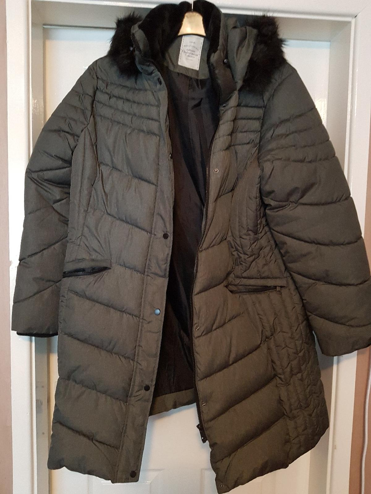 size 7 good texture performance sportswear ladies quilted winter coat